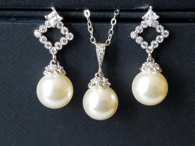 wedding photo - Pearl Bridal Jewelry Set, Swarovski Ivory Pearl Earrings&Necklace Set, Wedding Pearl Jewelry Set, Pearl Drop Earrings, Pearl Drop Pendant
