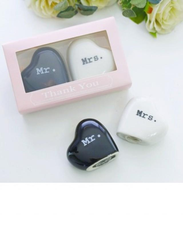 wedding photo - #beterwedding Mr and Mrs. Salt and Pepper Shakers Wedding Favors