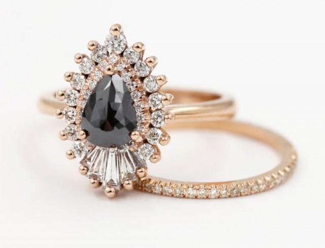 wedding photo - 2.30Ct Diamond Pear Engagement Ring