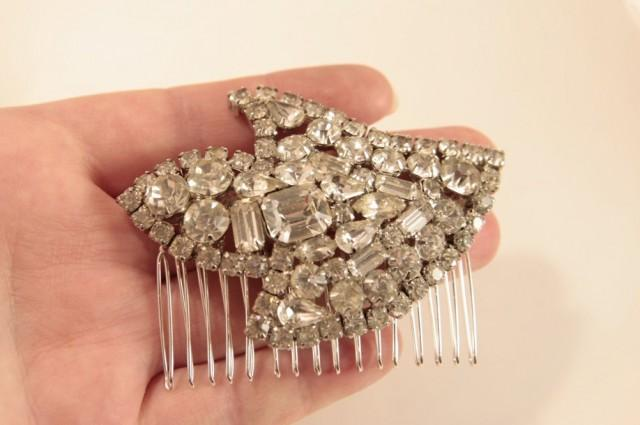Vintage Bridal Hair Comb, Crystal Wedding Hair Comb, Vintage Hair Comb, Silver Headpiece, Something Old for Bride, Rhinestone Hair Comb