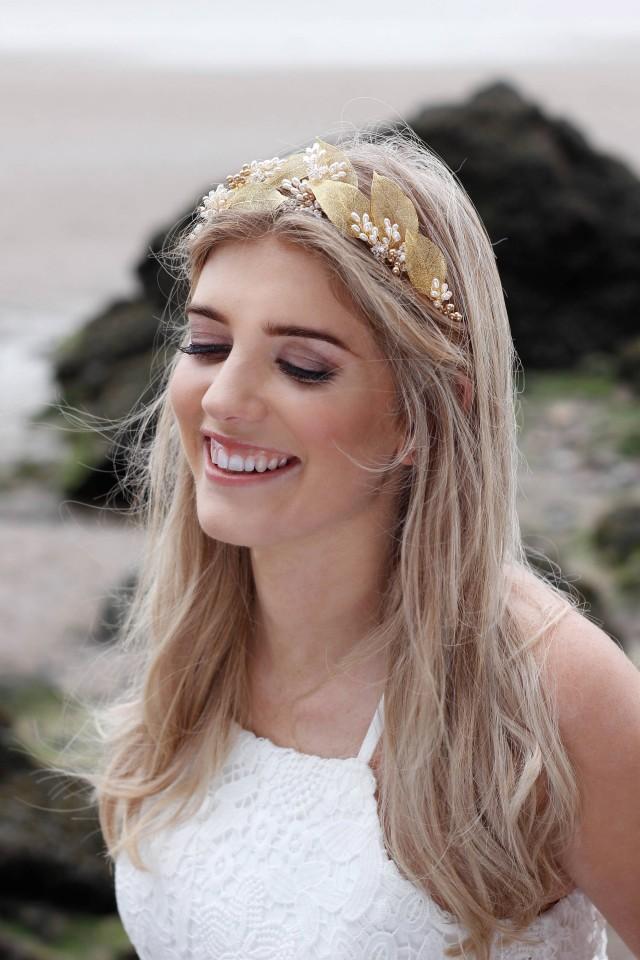 Gold leaf crown, gold bridal tiara, bridal flower crown, bridal headdress, bridal headband leaves, wedding hair vine, pearl hair vine