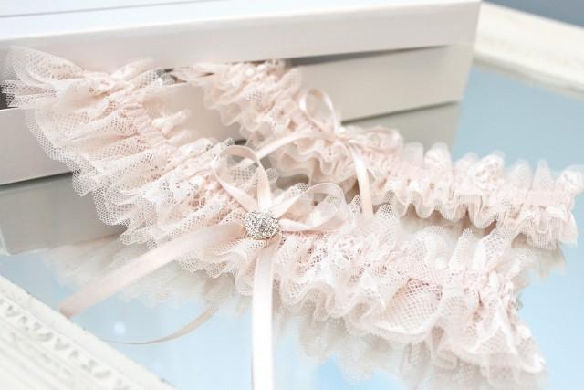 blush pink lace garter set, blush pink tulle garter set, blush pink garter set, blush pink wedding garter set, blush rose wedding garter set