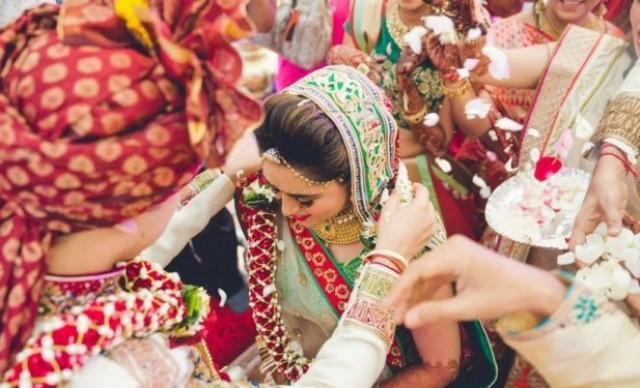 wedding photo - What Rituals Make a Gujarati Brahmin Matrimony a Pristine Affair? - ArticleTed - News and Articles