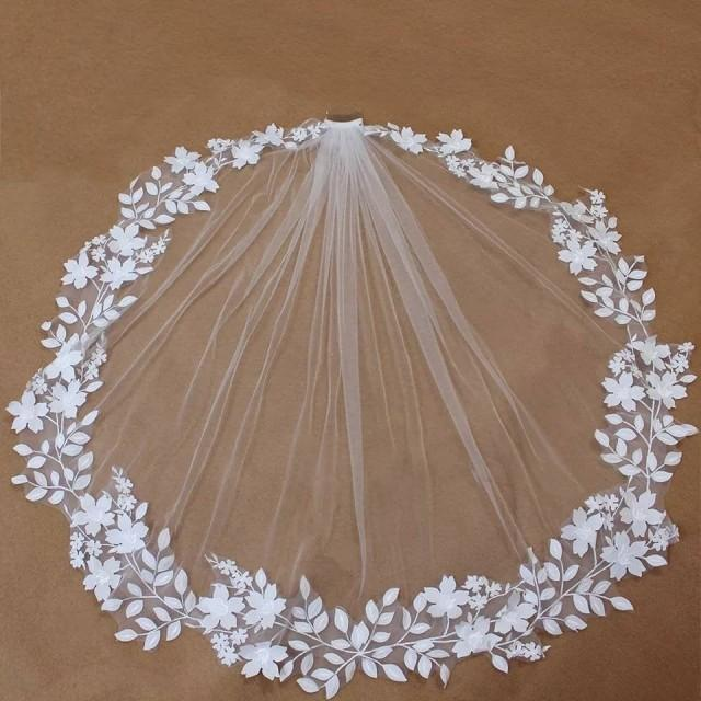 Ivory Wedding Veil with 3D Flowers,Floral Brides Veil,Ivory Veil,Tulle Veil Wedding with comb,Brides veil in Ivory,Tulle Veils for Brides