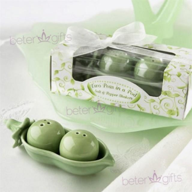 wedding photo - Thank You Gifts Peas in a Pod Salt,Pepper Shakers TC002 #beterwedding