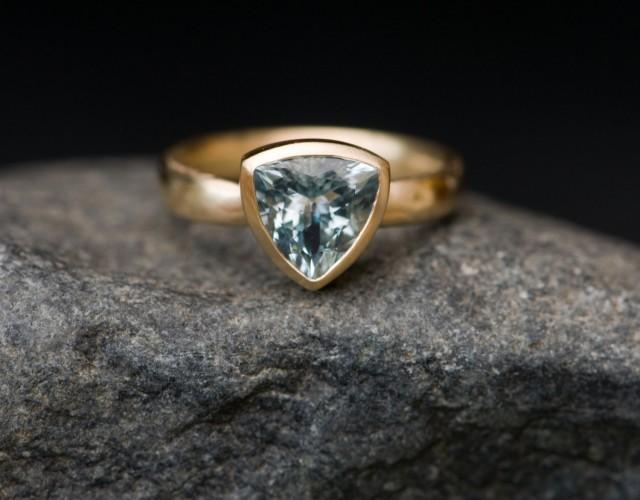 Aquamarine Trillion Ring in 18K Gold - Aquamarine Engagement Ring