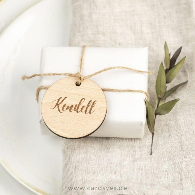 Name tags, wooden pendants personalized with guest names