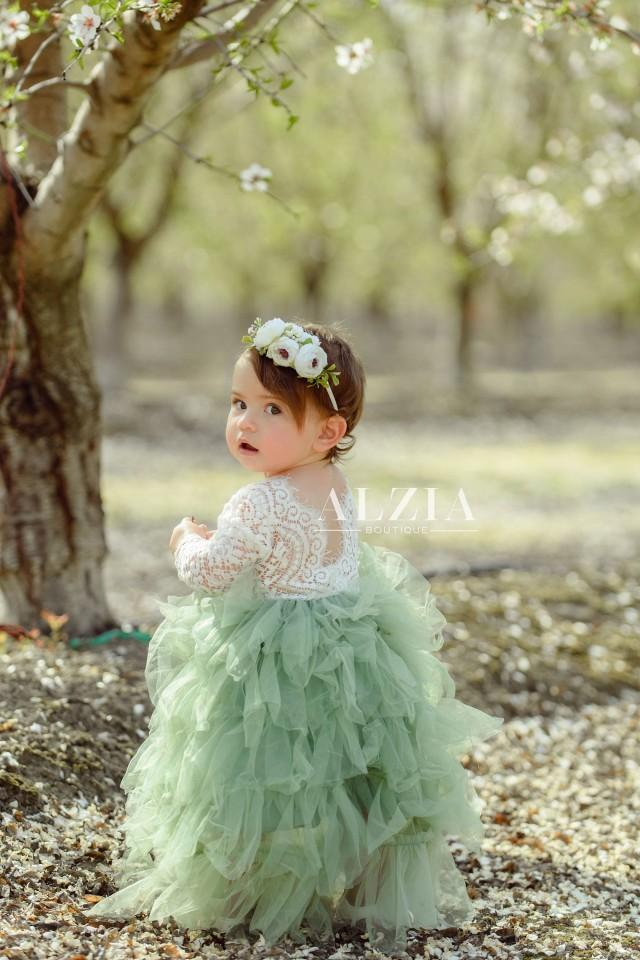 Sage Green Lace Flower Girl Dress ,  Scalloped Edges Back Party Dress for Girls