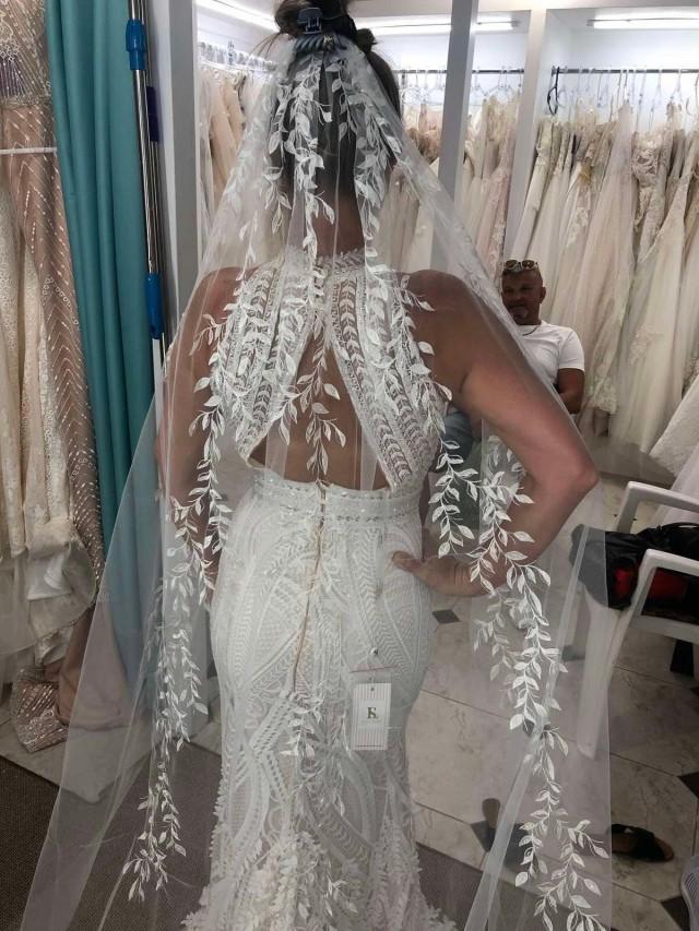 One tier veil wedding leaf veil ivory lace trim veil lace white applique cathedral veil long bridal veil comb elbow cathedral wedding veil