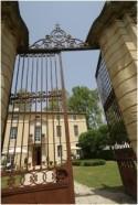 Modern glamorous heritage wedding near Avignon