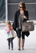 Jessica Alba In Simple Handbags