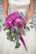 Eine sommerliche Hochzeitsinspiration in Lila