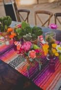 10 Stunning Table Runners for Your Wedding