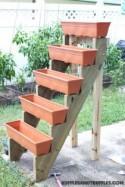 How to Make Vertical Planter Garden - DIY & Crafts - Handimania