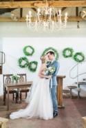 Rustic Wedding With A Refreshing Color Palette - Weddingomania