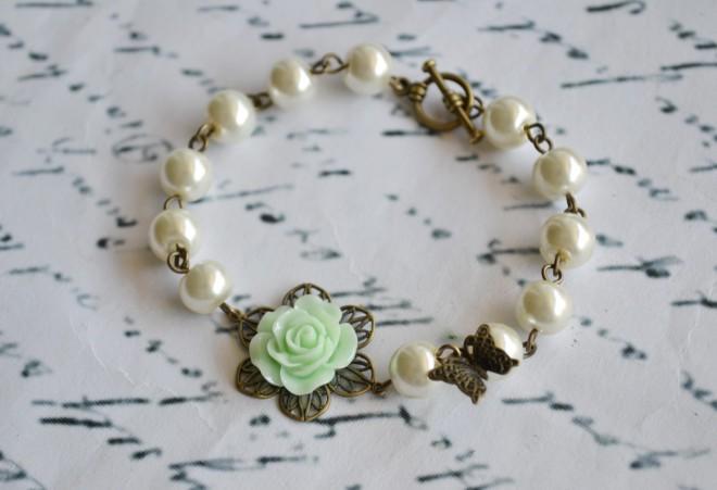 زفاف - Flower and Pearl Bracelet