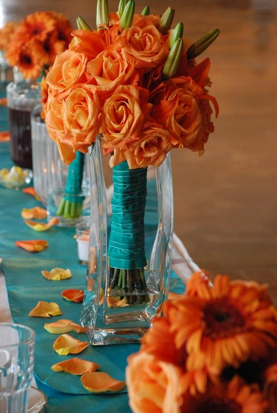 Bouquet flower beautiful bouquets 1929177 weddbook for Orange centerpieces for tables