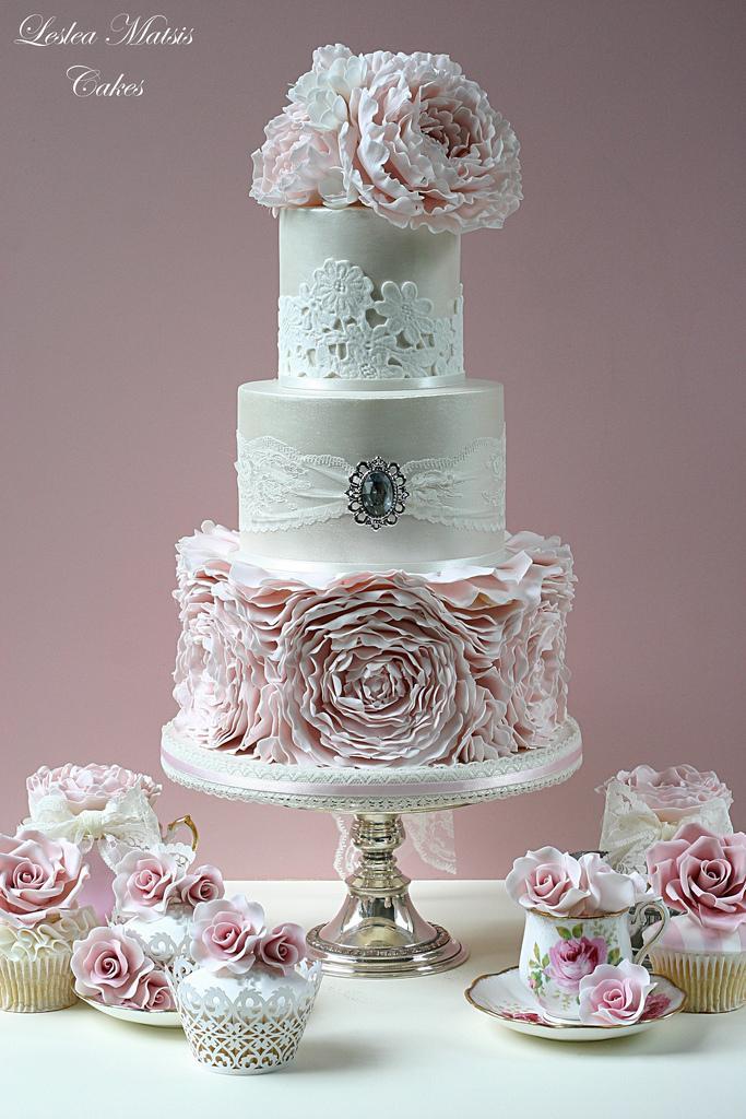 Wedding - Pink peony ruffles cake