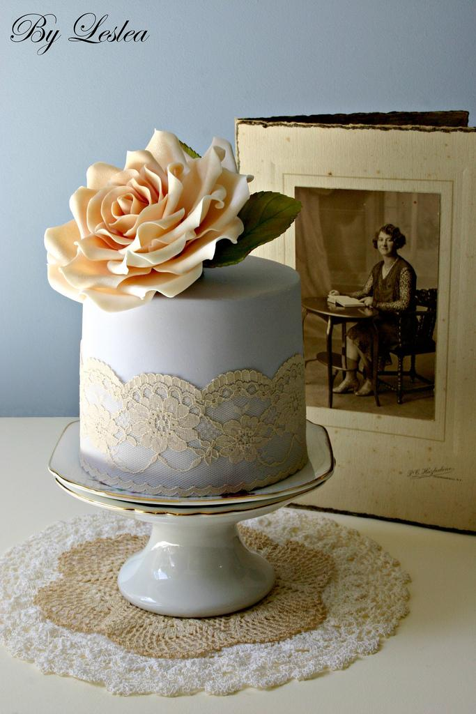 Wedding - Vintage style with peach rose