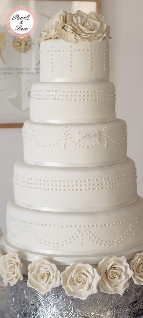 Wedding - Pearl wedding cake 2-0666