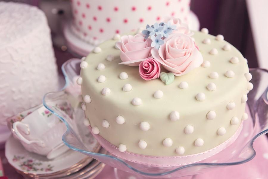 زفاف - Cath Kidston inspired cake table