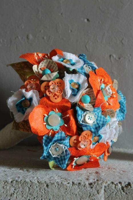orange wedding bouquet orange et bleu 1941204 weddbook. Black Bedroom Furniture Sets. Home Design Ideas