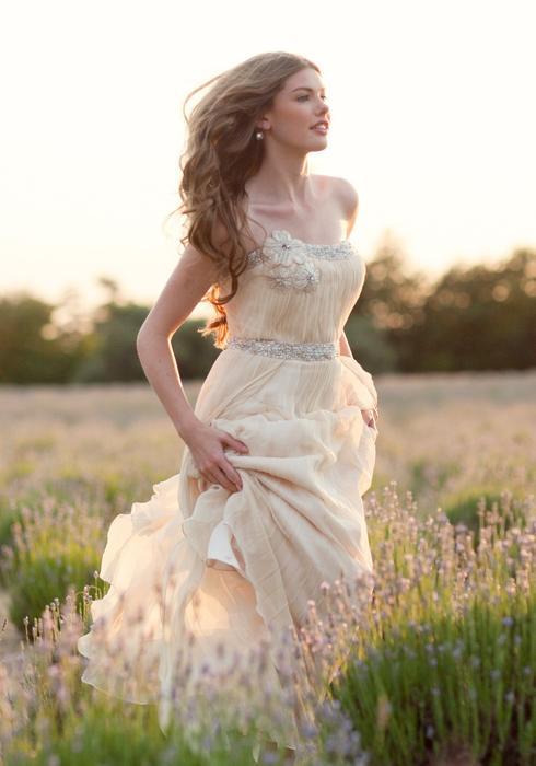 Hochzeit - Ruche-stile-rustico-abiti-da-sposa-2014-primavera-estate