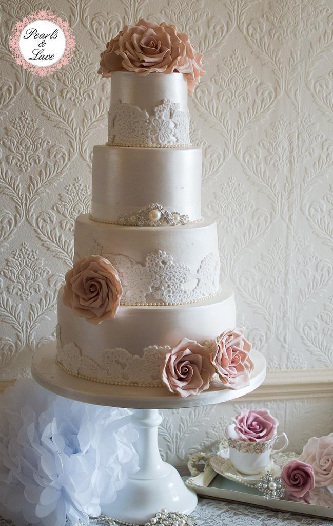 Wedding - Lustre & lace wedding cake