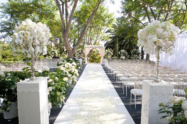 Outdoor Wedding Ceremony Décor: Classic Weddings #1985970