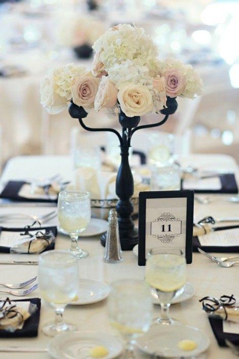 Themed wedding chanel 1990369 weddbook for Vase deco de table