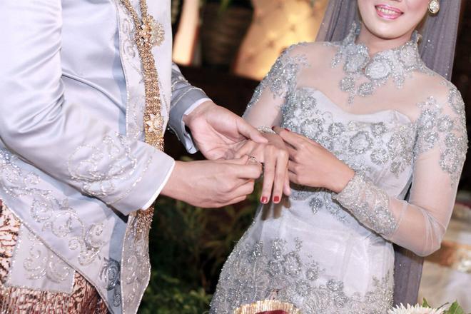 Wedding - http://lofukau.com/foto-pernikahan-yogyakarta-budhi-dan-retha/