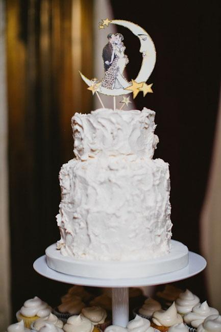 Tier Wedding Cake With Half Moon