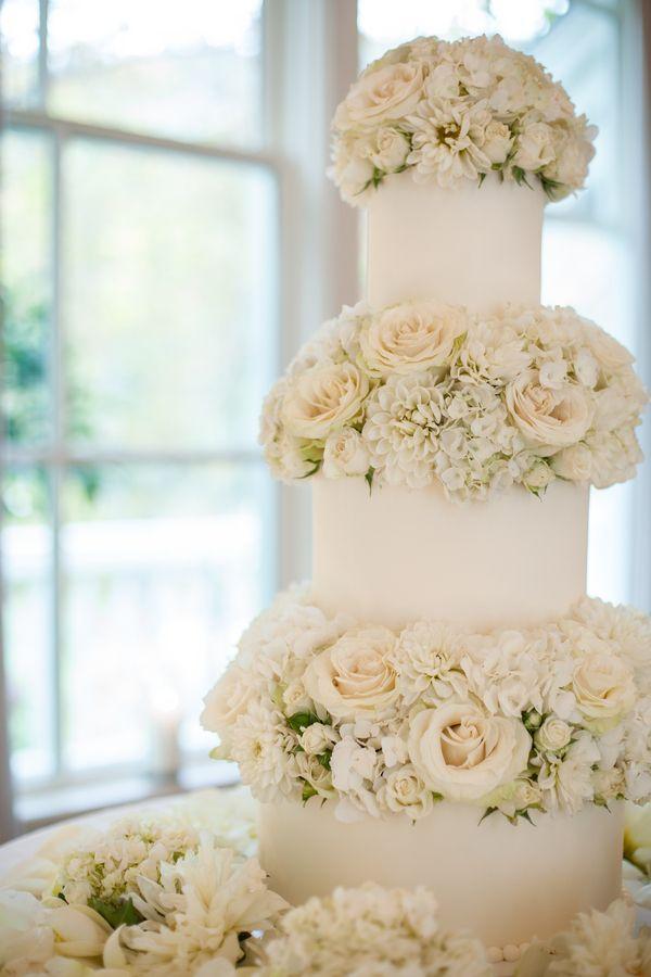 Un gâteau de mariage tout blanc, oui ou non ? 4