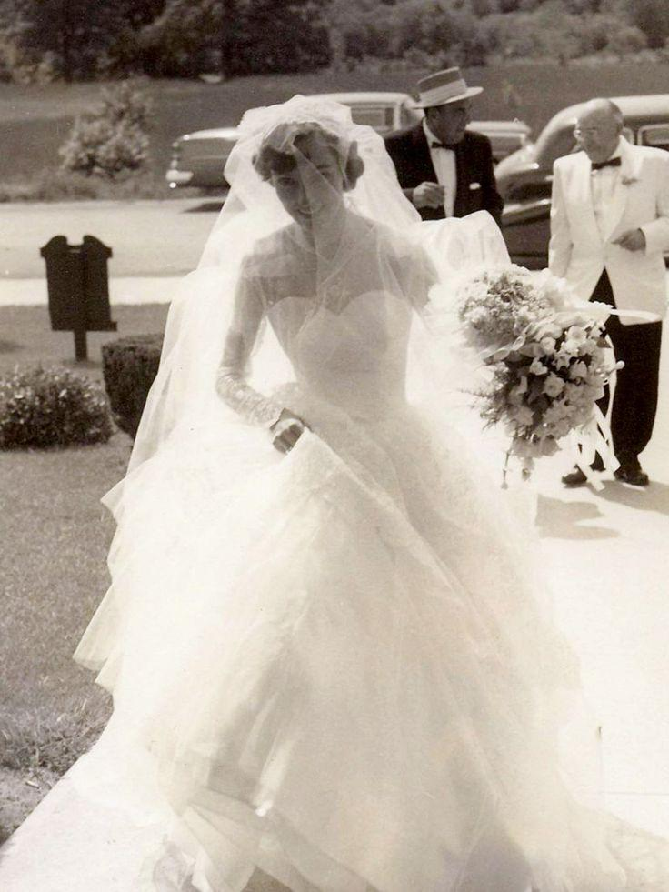 Vintage Wedding Chic Vintage 1950s Bride 2013819 Weddbook