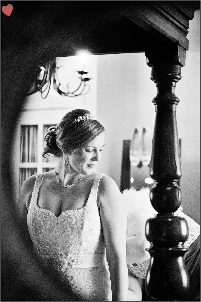 زفاف - Wedding Photography By James Fear: Bear At Rodbrough
