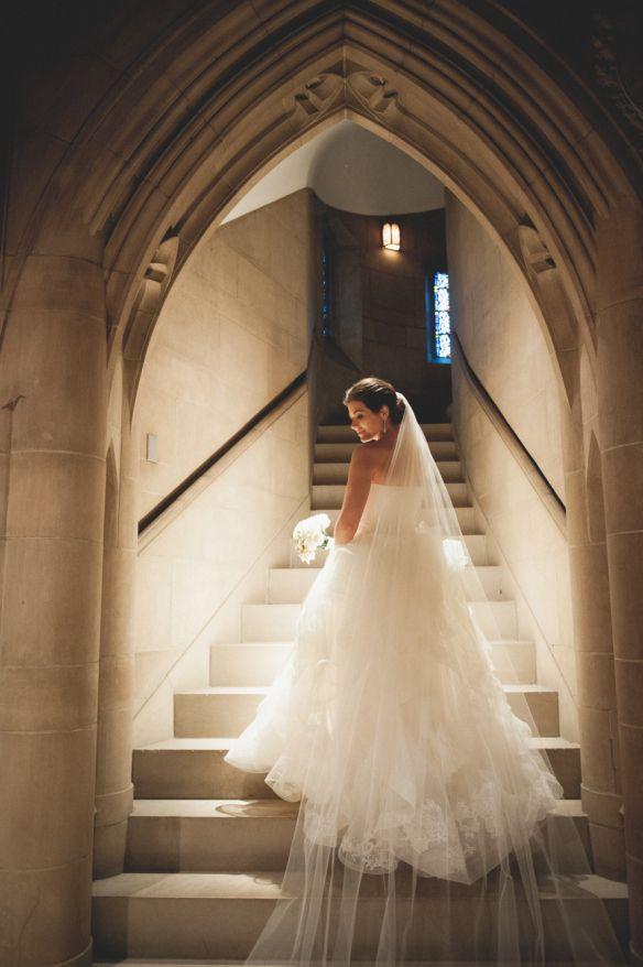 Wedding - Bridal wedding photography idea on stairs