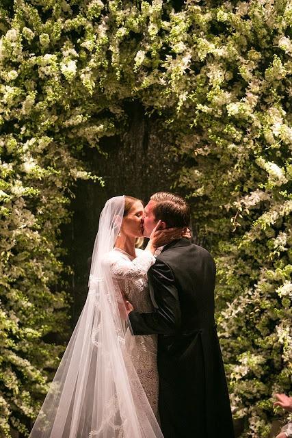 Mariage - First Kiss
