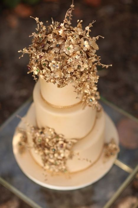 Expensive wedding cakes for the ceremony: Gold wedding cakes on ...
