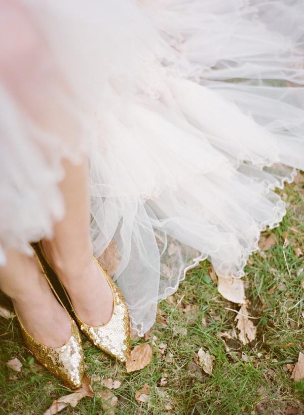 Hochzeit - GoldSequined Brautschuhe