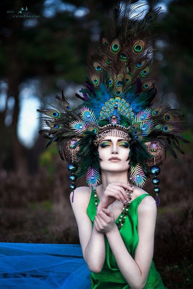 Mariage - READY TO SHIP imaginaire de paon féerique de nymphe des bois déesse coiffe casque Gaga Steampunk Costume Burlesque