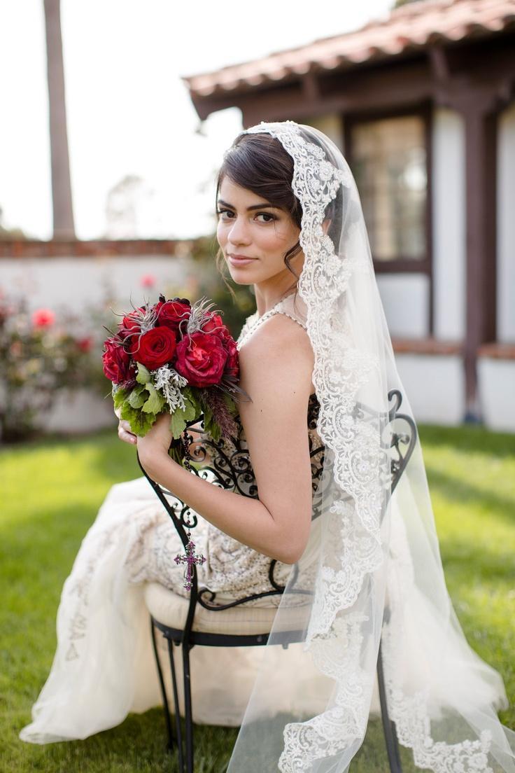 Свадьба - Крем-Вуаль Свадьбы, Шампанское Фата, Собор Кружевная Вуаль, Мантилья, Бисерное Кружево