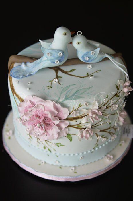 Wedding - Romantic wedding cake with love birds
