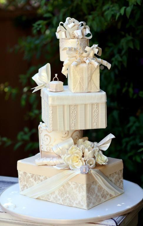 unique wedding cake wedding cake 2040082 weddbook. Black Bedroom Furniture Sets. Home Design Ideas