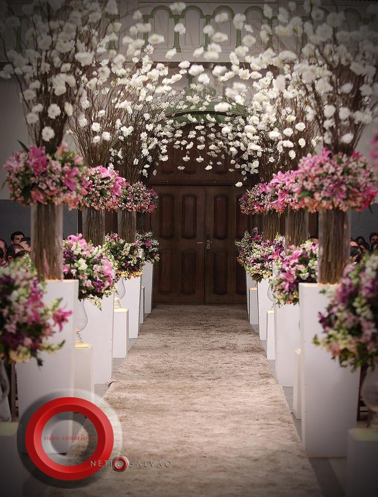 Wedding aisle decorated with pink and white flowers for Aisle wedding decoration ideas