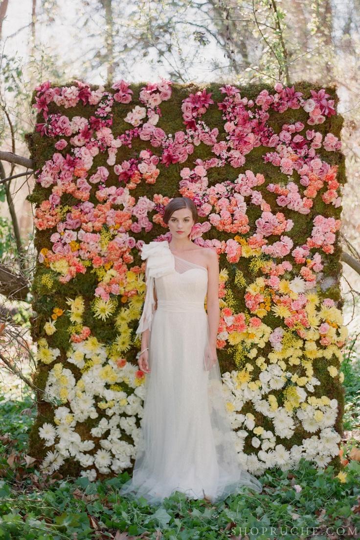 Garden wedding flower wall 2040741 weddbook for Diy wall of flowers