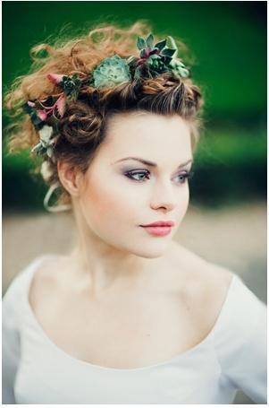 Hochzeit Frisuren Blumen In Ihrem Haar 2041416 Weddbook