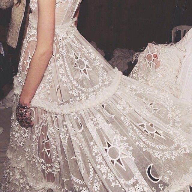 Alexander Mcqueen Wedding Dresses.Alexander Mcqueen Alexander Mcqueen Bride 2042219 Weddbook