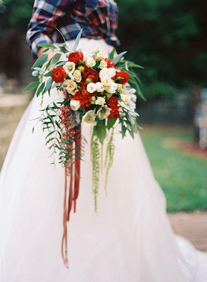 Beautiful Red And Cream Bouquet