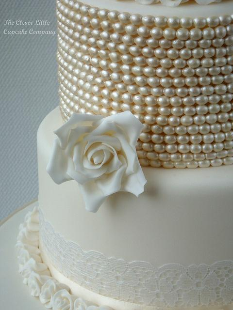 Wedding - Pearl Cake Glam