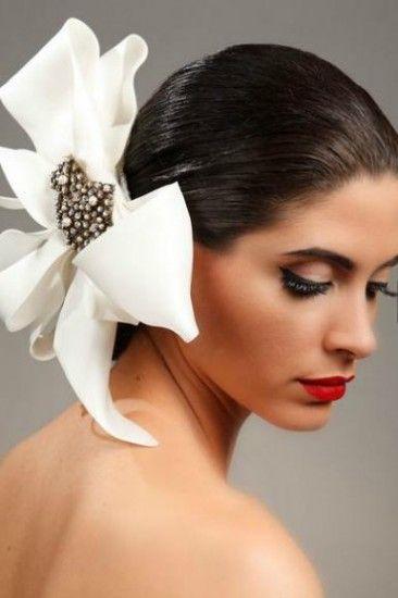 Accessories tocados para boda elegante 2044499 weddbook for Tocados elegantes para bodas